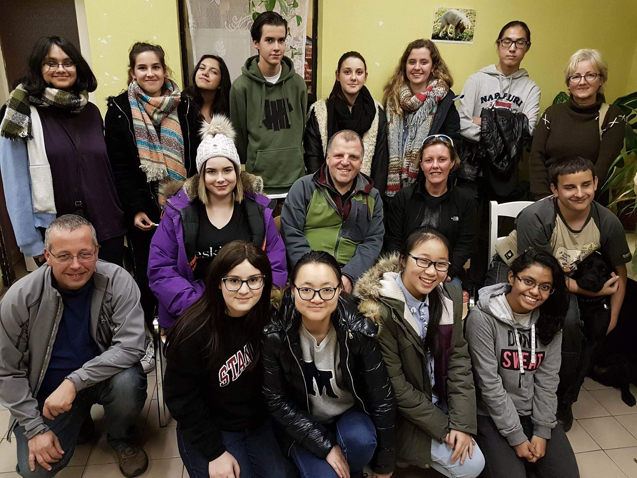 kép: Az MVGYOSZ Vakvezető kutyakiképző központ önkénteseiről csoportkép