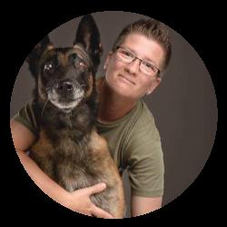 Kép: Renkó Zsuzsa, John Malle nevű kutyájával profilkép